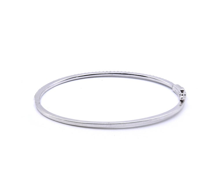 Round Cut 18 Karat White Gold Diamond Bangle Bracelet For Sale