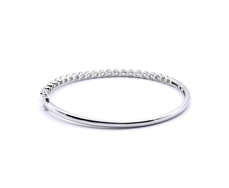 18 Karat White Gold Diamond Bangle Bracelet In Excellent Condition For Sale In Scottsdale, AZ