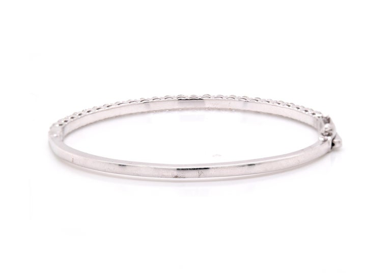 18 Karat White Gold Diamond Bangle Bracelet In Excellent Condition For Sale In Scottsdale, AZ