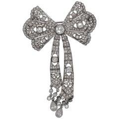 18 Karat White Gold Diamond Bow Brooch with 2.20 Carat