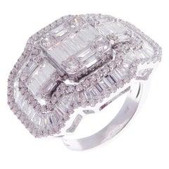 18 Karat White Gold Diamond Buckle Baguette Band Fancy Ring