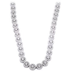 18 Karat White Gold Diamond Cluster Necklace