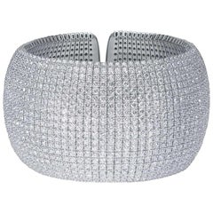 18 Karat White Gold Diamond Cuff