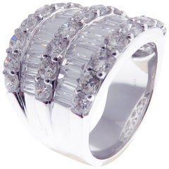 18 Karat White Gold Diamond Double Row Baguette Band Fancy Ring