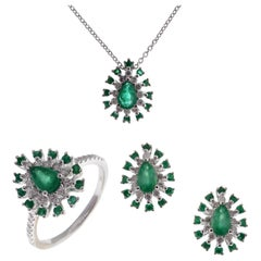 18 Karat White Gold Diamond Emerald Pear Stud Earring Ring Pendant Set