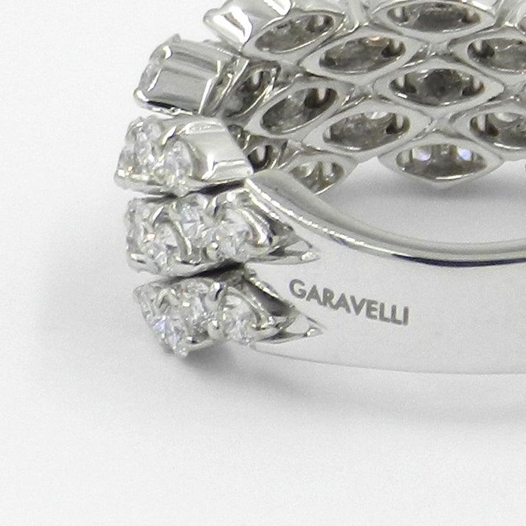 Contemporary 18 Karat White Gold Diamond Flexible Garavelli Ring For Sale