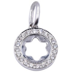 18 Karat White Gold Diamond Floral Cutout Pendant