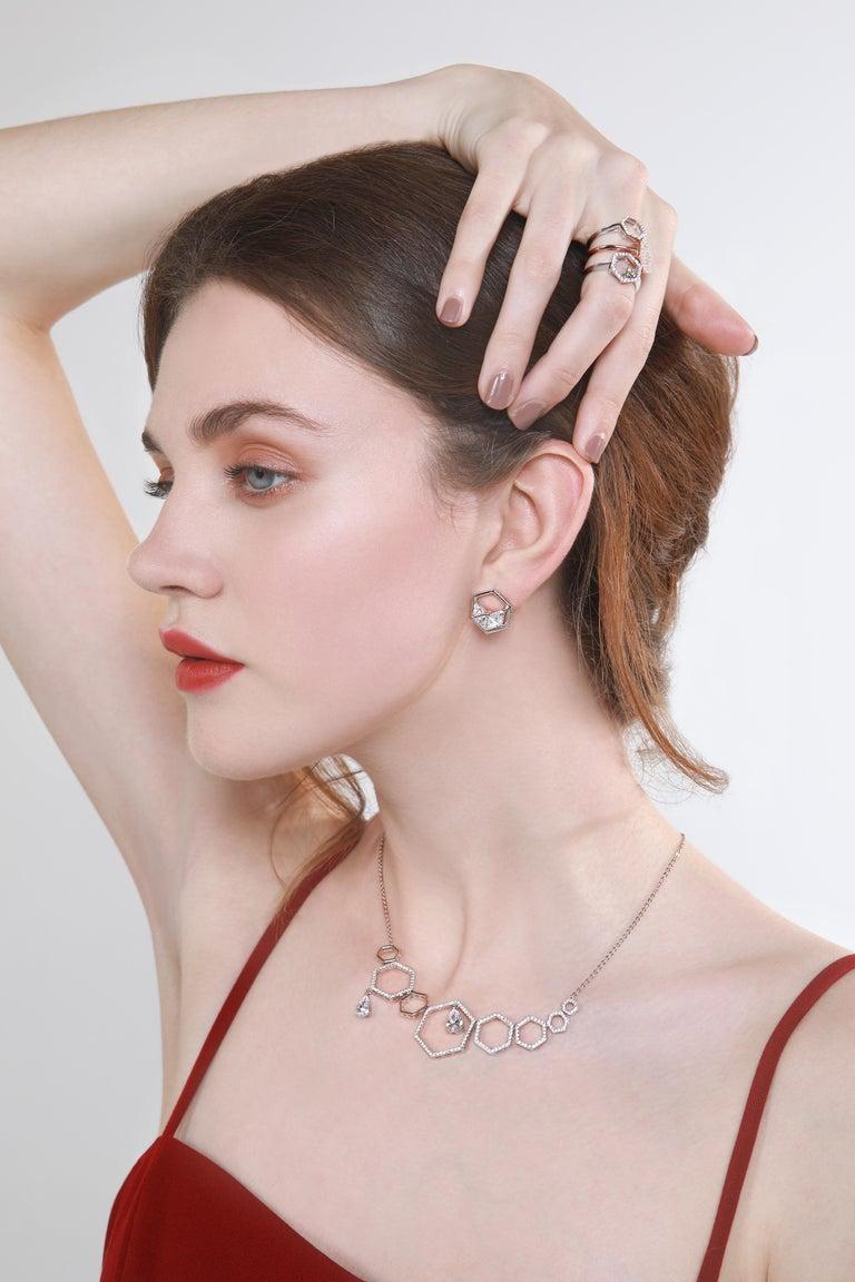 Contemporary 18 Karat White Gold Diamond Grand Halo Necklace For Sale