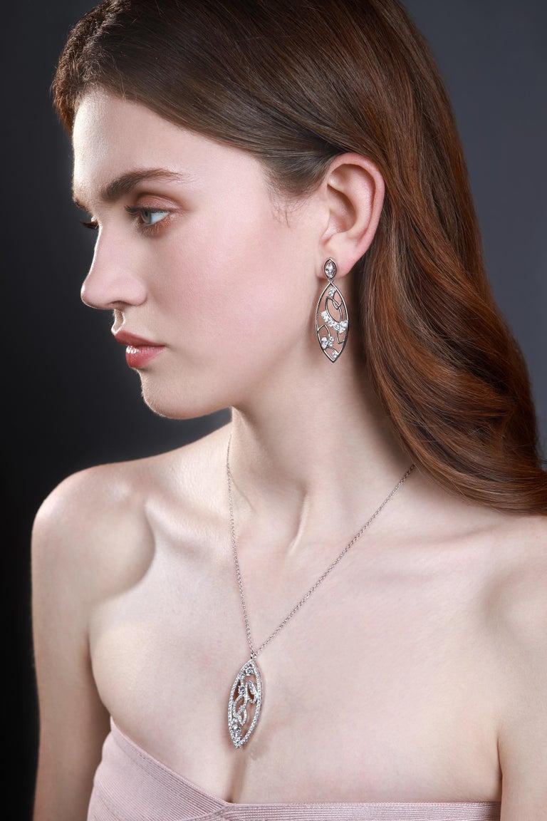 Round Cut 18 Karat White Gold Diamond Lattice Pendant Necklace For Sale