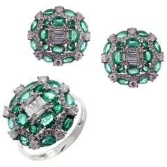 18 Karat White Gold Diamond Medium Emerald Baguette Circle Earring Ring Set