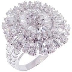18 Karat White Gold Diamond Modern Baguette Oval Fancy Ring