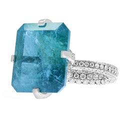 18 Karat White Gold Diamond Ring 30 Carat Natural Brazilian Blue Green Emerald