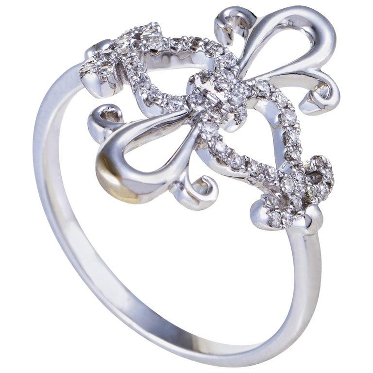 18 Karat White Gold Diamond Ring For Sale