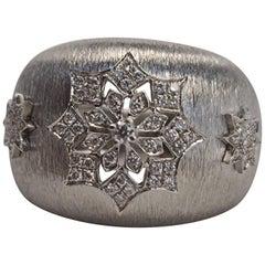 18 Karat White Gold Diamond Snowflake Ring in Florentine Finish