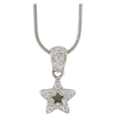 18 Karat White Gold Diamond Star Pendant Necklace