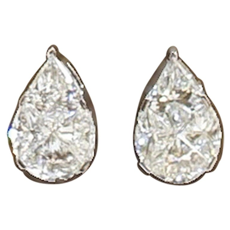 18 Karat White Gold Diamond Studs For Sale