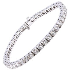 18 Karat White Gold Diamond Tennis Bracelet