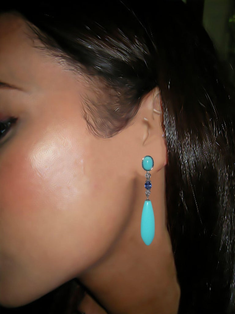 18 Karat White Gold Diamond Turquoise and Sapphire Dangle Earrings In New Condition For Sale In Duesseldorf, DK