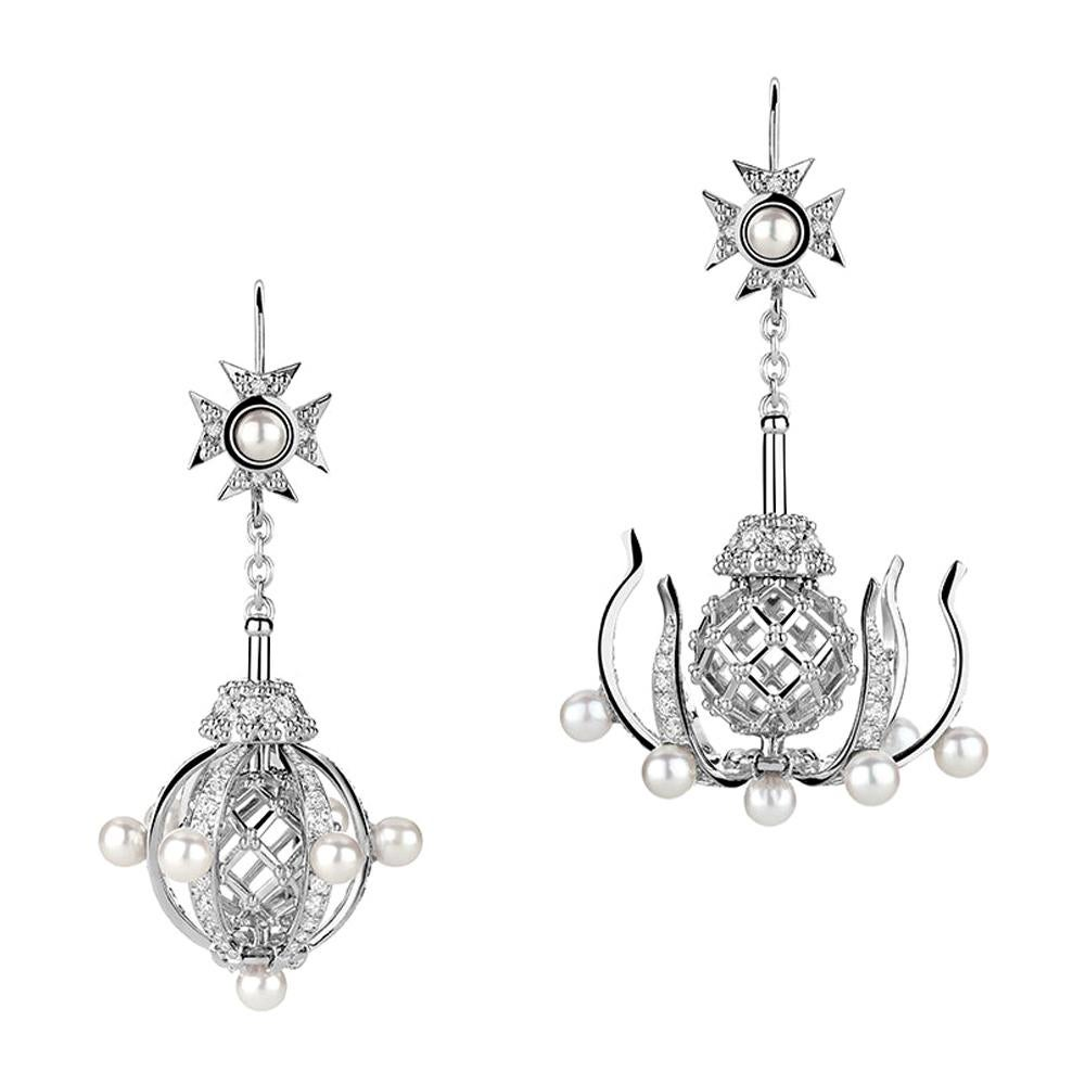 18 Karat White Gold Diamonds and Pearls Transforming Chandelier Earrings