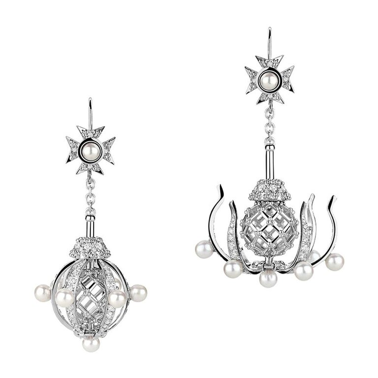 18 Karat White Gold Diamonds and Pearls Transforming Chandelier Earrings For Sale