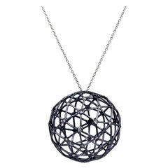 18 Karat White Gold Diamonds Garavelli Globo Pendant Necklace