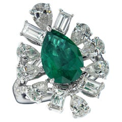18 Karat White Gold, Emerald and Diamond Cocktail Party Ring