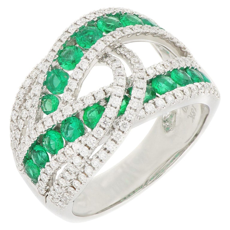 18 Karat White Gold Emerald and Diamond Ring For Sale