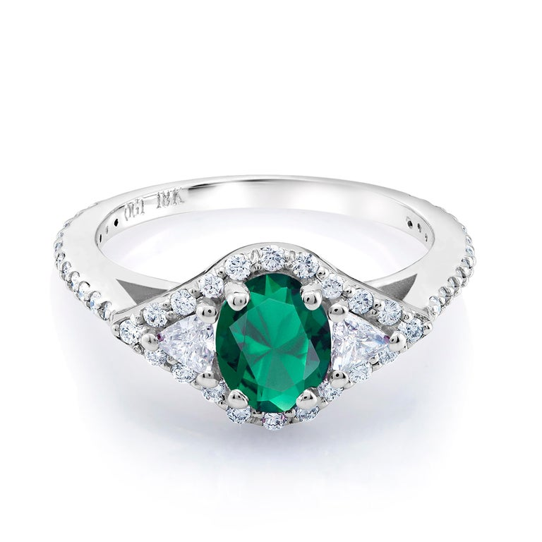 18 Karat White Gold Emerald Diamond Cocktail Ring  For Sale 1