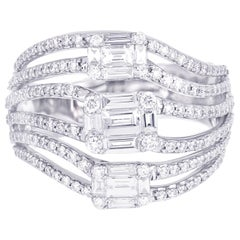 18 Karat White Gold Emerald Illusion Diamond Cocktail Ring