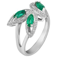 18 Karat White Gold Emerald Petali Flora Ring by Niquesa