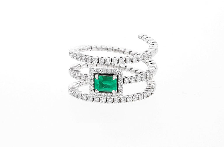 Emerald Cut 18 Karat White Gold Extendable Ring with Diamonds and Emerald For Sale