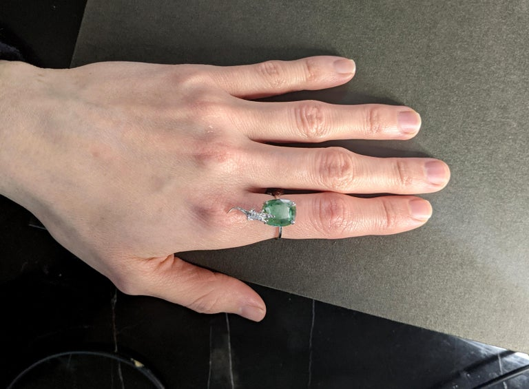 Revival 18 Karat White Gold Fashion Ring with 3.48 Carats Emerald For Sale