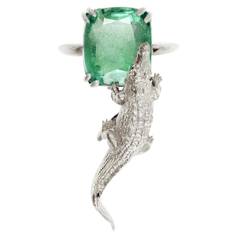 18 Karat White Gold Fashion Ring with 3.48 Carats Emerald For Sale