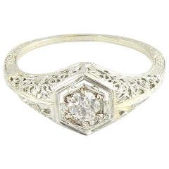 18 Karat White Gold Filigree Diamond Ring
