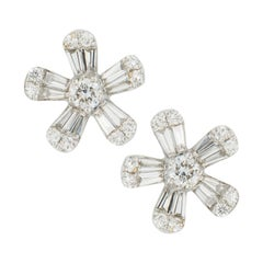 18 Karat White Gold Floral Star Diamond Earrings
