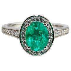 18 Karat White Gold Green Oval Emerald Diamond Engagement Ring