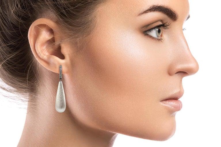 Women's 18 Karat White Gold Ice Diamonds Dangle Earrings For Sale