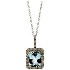 18 Karat White Gold Ladies Necklace with Pendant, Aquamarine and Diamonds