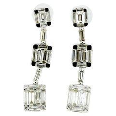 18 Karat White Gold Ladies Stud Earrings with Diamonds