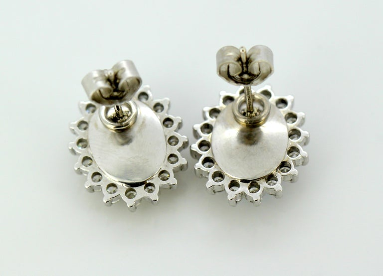 18 Karat White Gold Ladies Stud Earrings with Opals and Diamonds, circa 1990s For Sale 2