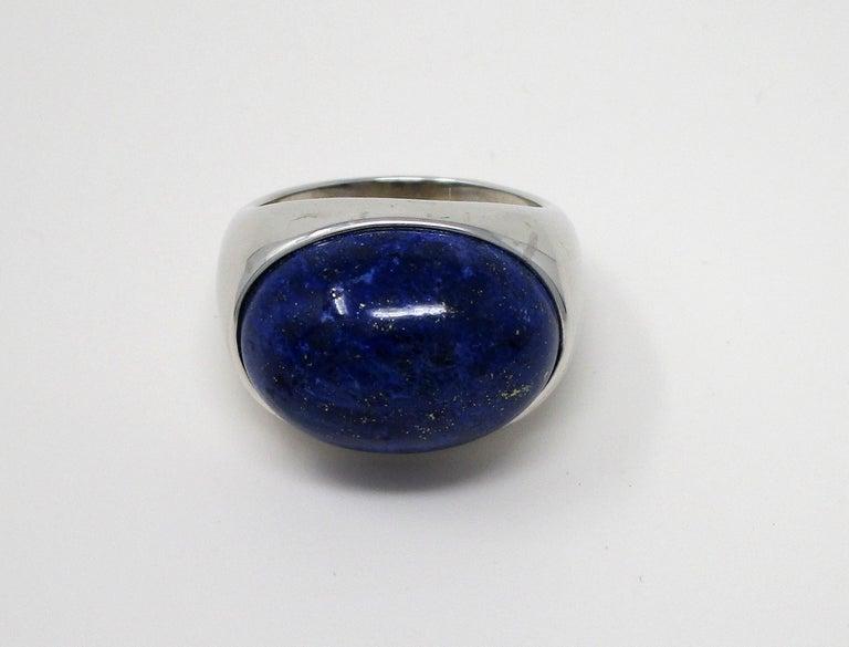 18 Karat White Gold Lapis Lazuli Ring For Sale 2