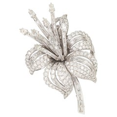 18 Karat White Gold Multishape Diamond Brooche Nade in Italy with Box