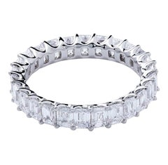 18 Karat White Gold Mye Pear Diamond Eternity Ring