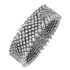 18 Karat White Gold Nine Row Flexible Diamond Bracelet, 32.10 Total Carats