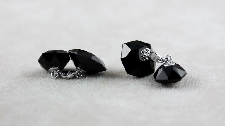 Women's or Men's 18 Karat White Gold Octagonal in Onyx and Mother of Pearl Set Cufflinks Studs For Sale