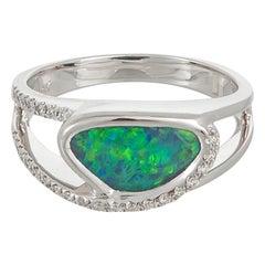 18 Karat White Gold Opal Ring