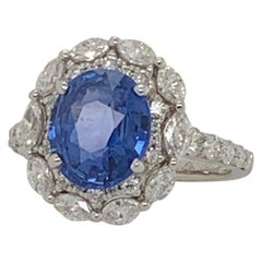 18 Karat White Gold Oval Ceylon Sapphire & Diamond Ring 3.28 Carat