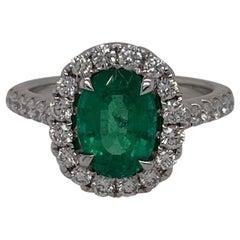 18 Karat White Gold Oval Emerald & Diamond Ring 1.74 Carats