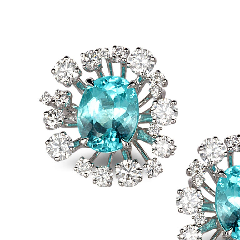18 Karat White Gold Paraiba Star Burst Stud Earrings In New Condition For Sale In Secaucus, NJ