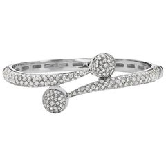 18 Karat White Gold Pave Diamond Bangle Bracelet Bracelet